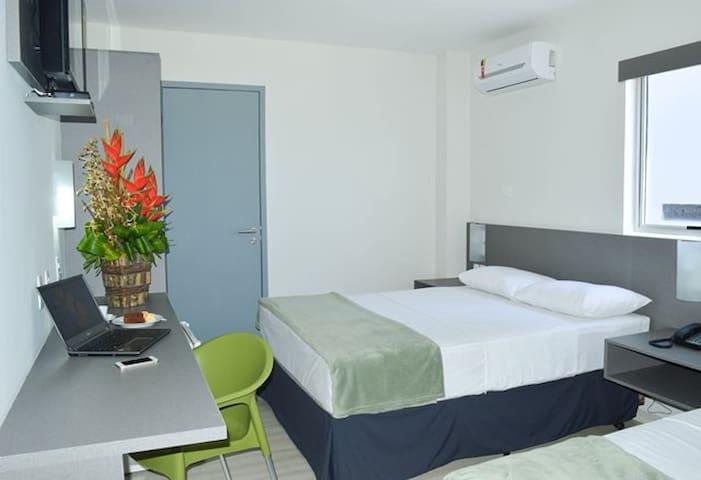 Apto Stda -Inserido em Hotel Na Pajuçara Econômico