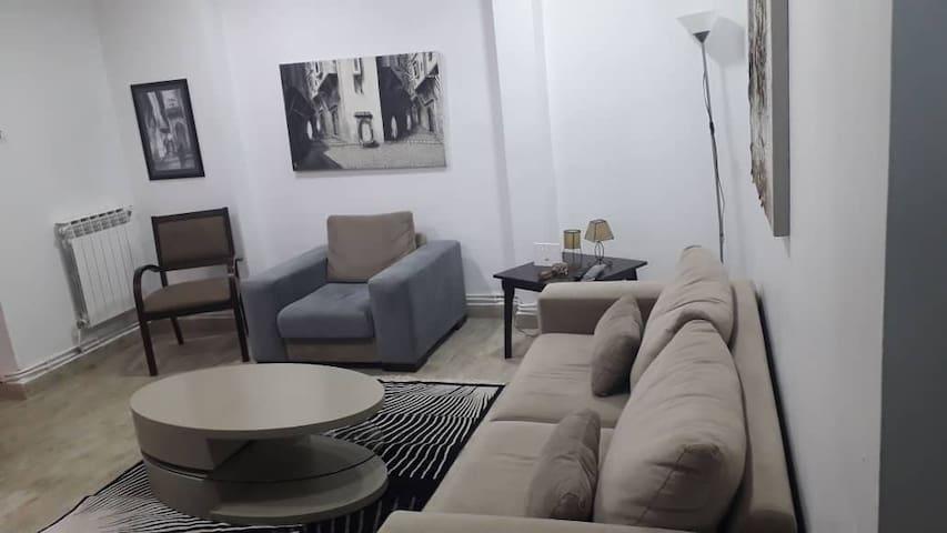 Hydra appartement (FAMILLES ET PROFESSIONNELLES)