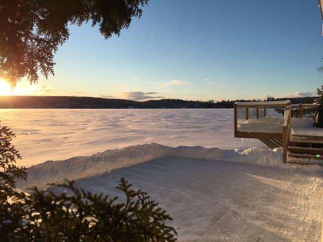 Chalet Lac Orford, Bord de l'eau avec spa & sauna