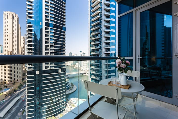 Sea Views Studio in Dubai Marina on 19th Floor