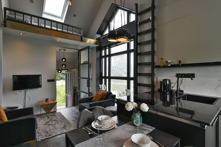 City loft (private appartement, own entrance)