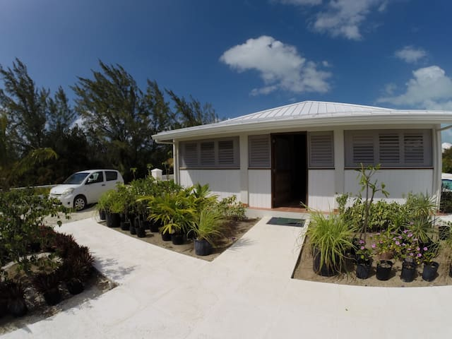 Caribbean Canal!- New 2 Bed Guest House! - Caicos Islands - Guesthouse