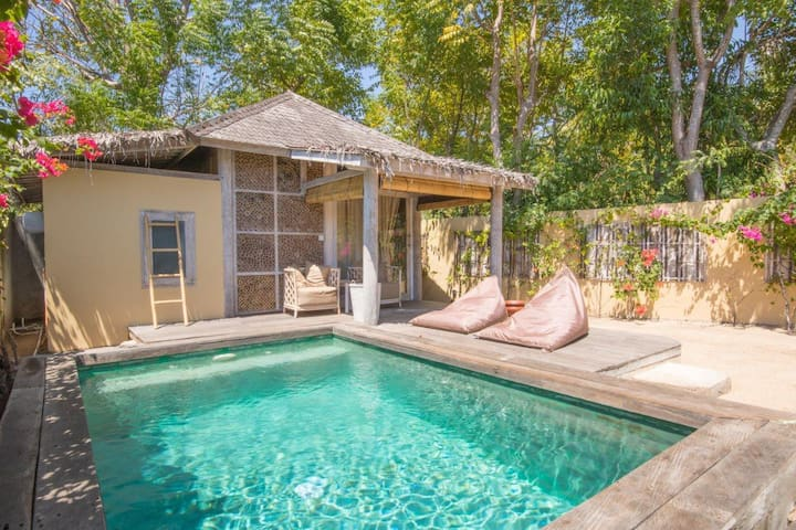 Private Villa 1 BD with pool and garden