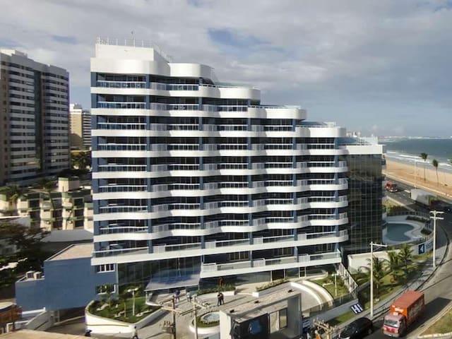 Apartamento alto padrão com vista mar e garagem