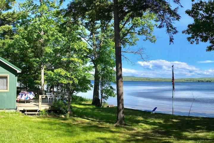 Au Train Lake Retreat Cottage