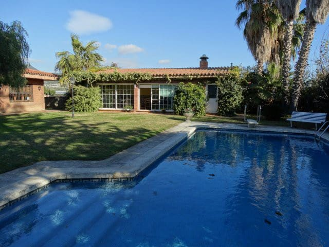 HOUSE WITH GARDEN AND SWIMMING POOL IN THE CENTER - Vilassar de Mar - บ้าน