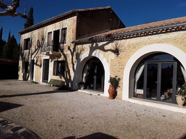 MAS du 19eme,piscine,7km de St Rémy de Provence