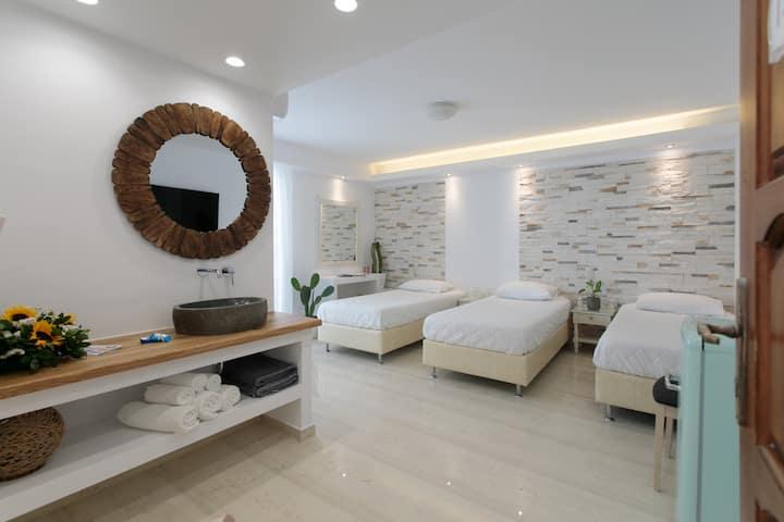 Margo's Triple Comfort Room