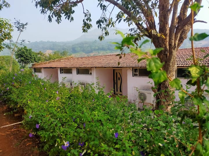 03 AC Cottage With Swimming Pool Lonavala