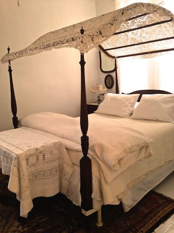 The Abby Room Canopy Bed