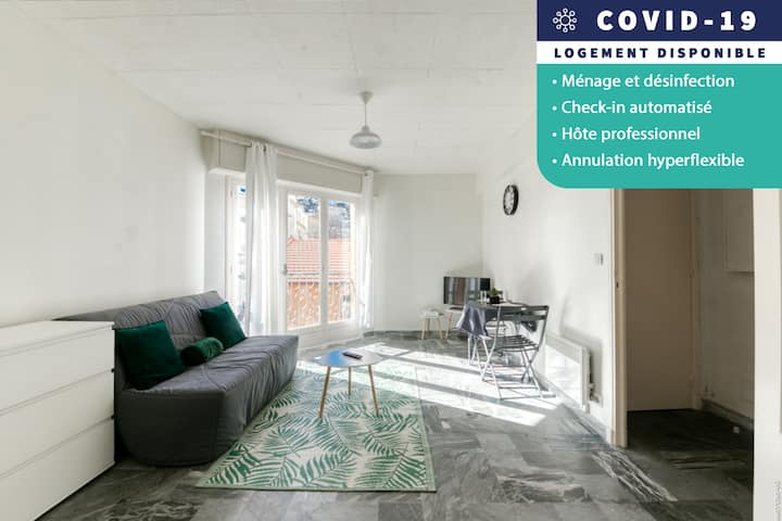 Bright studio in a quiet street-close to tramway