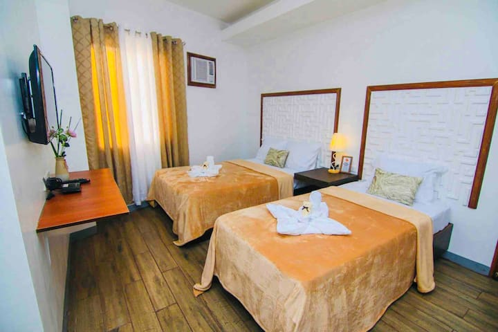 JT Suites & Function Standard & Family Rooms