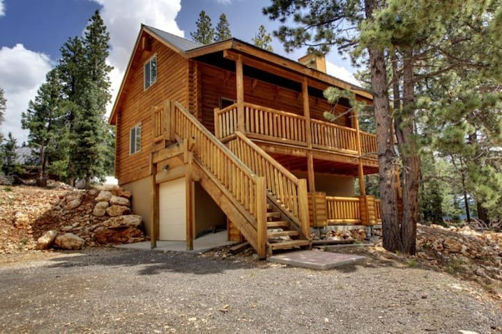 Three Bears Cabin - Cozy getaway - Duck Creek Village - Apartmen