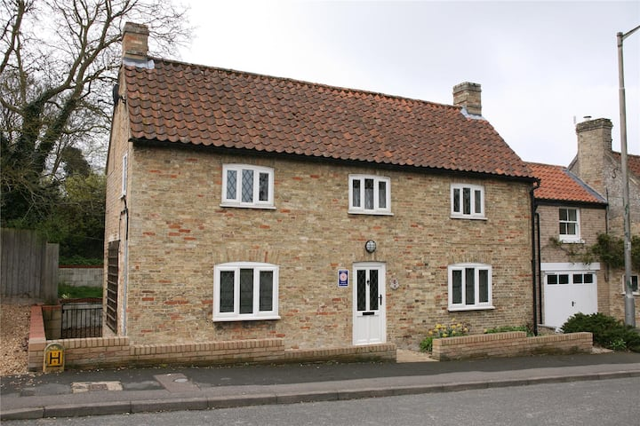 3 Bedroom Self Catering Cottage near Cambridge