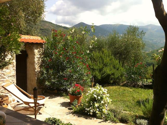 Wohnung mit Garten in Maro Castello - Borgomaro