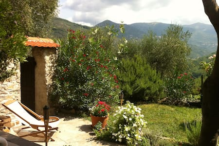 Wohnung mit Garten in Maro Castello - Borgomaro - Apartment