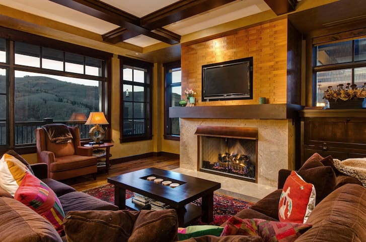 Deer Valley VALUE!Flagstaff-Awesome Views-Lux-Happy Hour-Breakfast-Dial a Ride