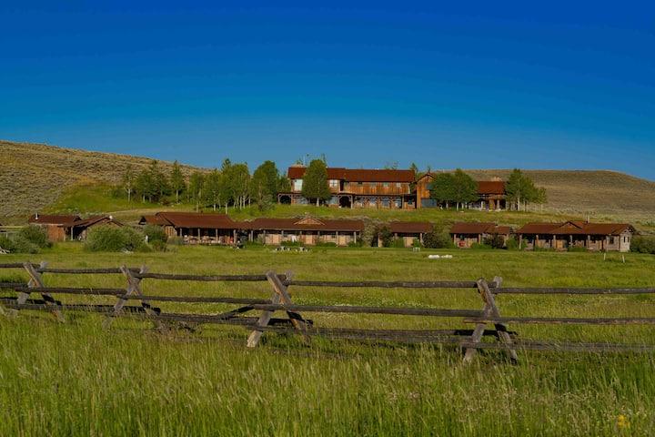 Double J Rustic Ranch Cabin