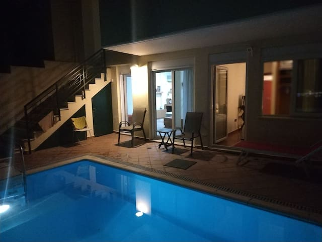 Pool Private & View Athens  in center 145m2 Villa