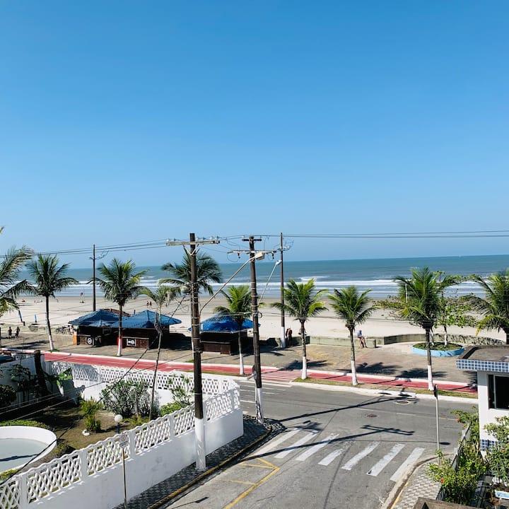 Apartamento Impecável - 20 metros da praia