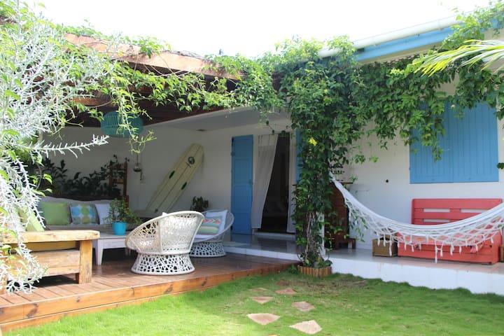 Villa de charme  en bord de plage avec piscine