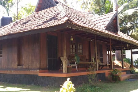 Solace Heritage Homestay - Room  2 - Alappuzha - Bed & Breakfast