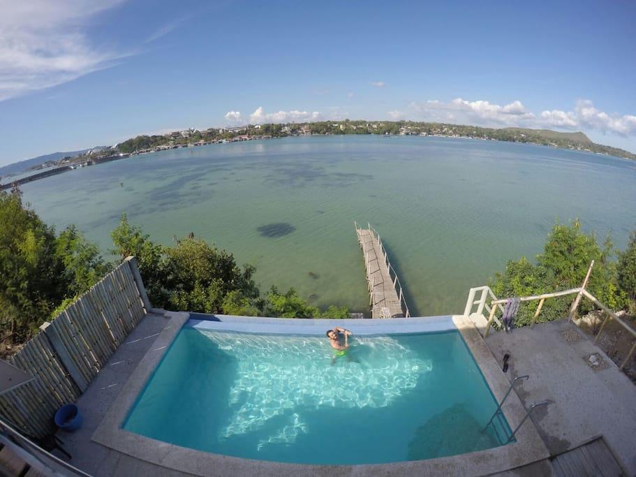 infinity swimmingpool