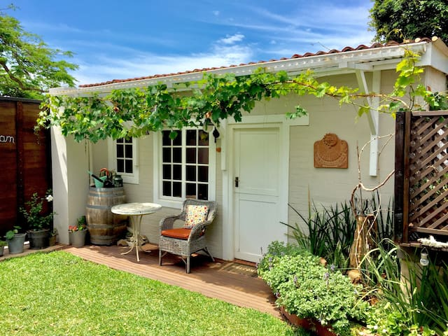 Lovely Gardencottage in Durban