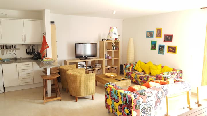H2Ome - 3 bedroom house close to the beach
