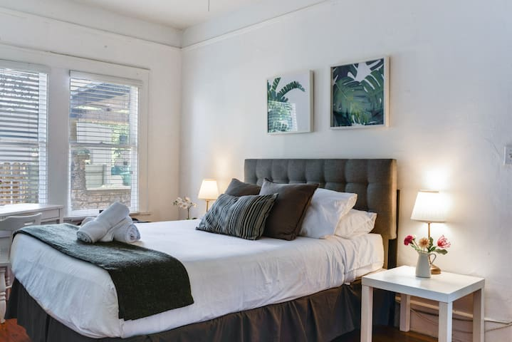 A beautiful bedroom with amazing space, to relax after a great day at the beach.