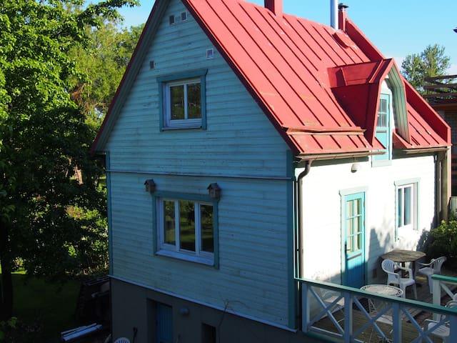 House with a sauna in Viljandi city center!