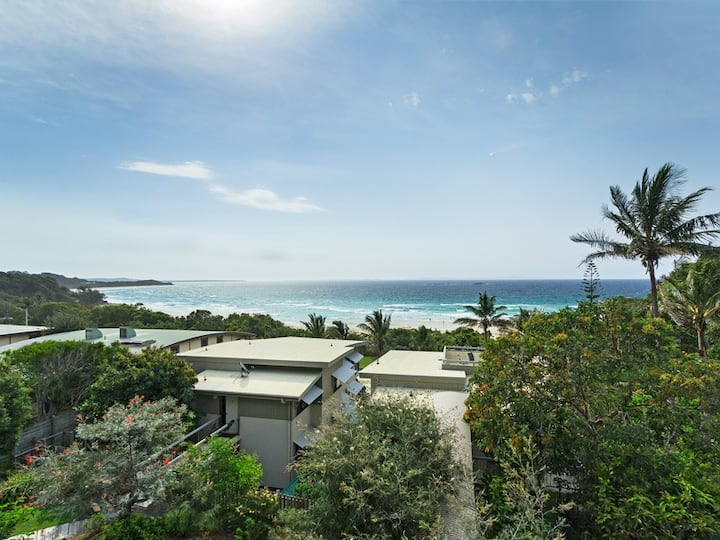 North Facing 3 bedroom unit on Cylinder Beach