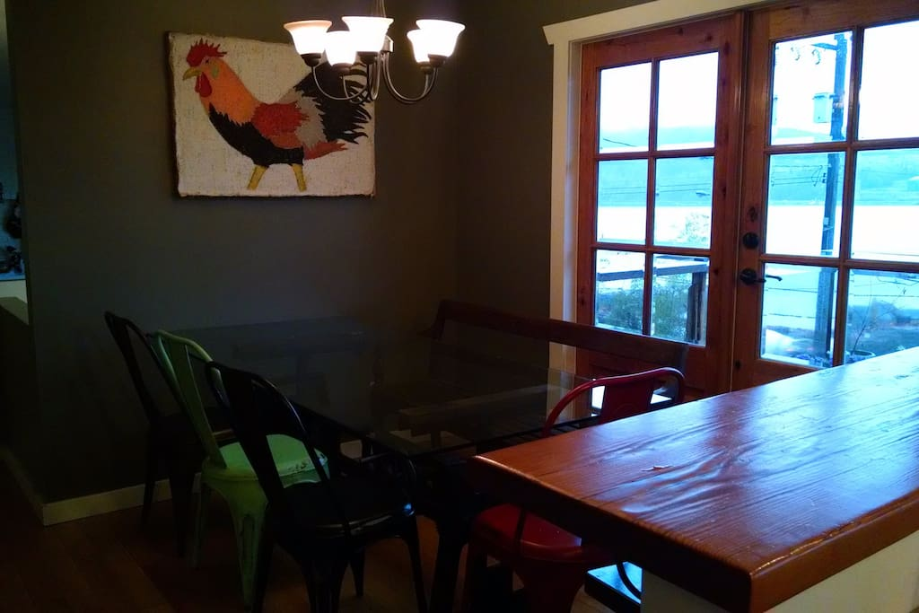 Dining area with room for 7 or more