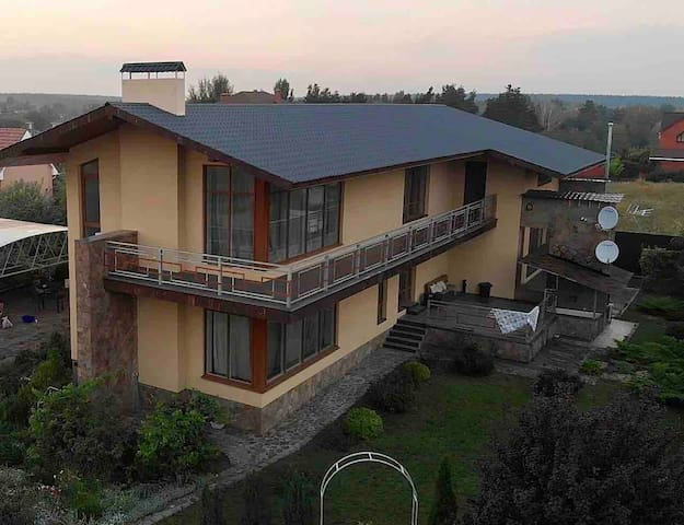 Private residence / boot camp near Kyiv