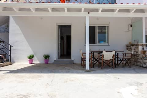 Goros' Apartment near the Ionian Sea