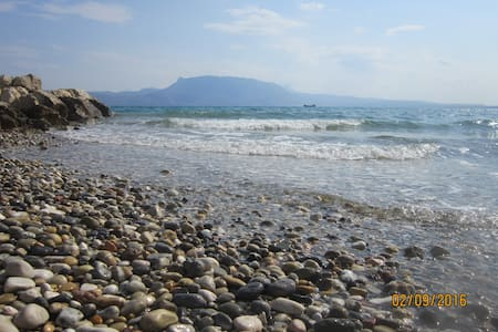 Cosy appartment by the sea ~ Perigiali, Corinth - Perigiali