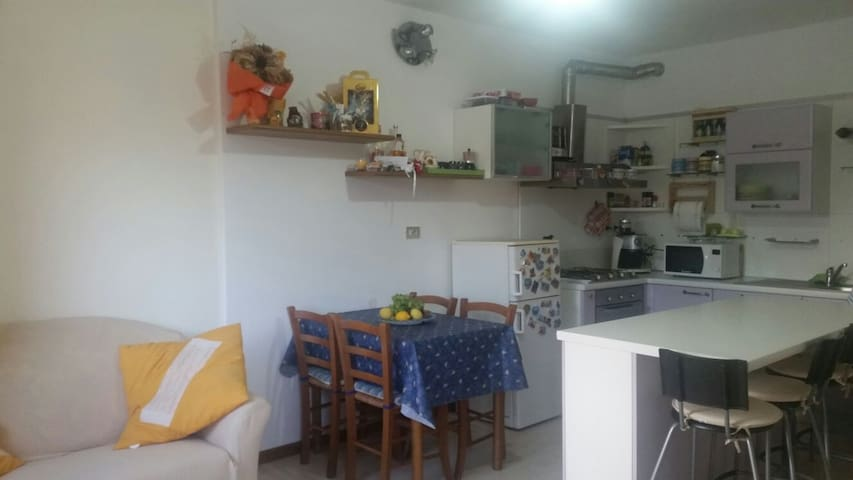 Cosy appartement between city and beaches - Sarzana - Apartamento