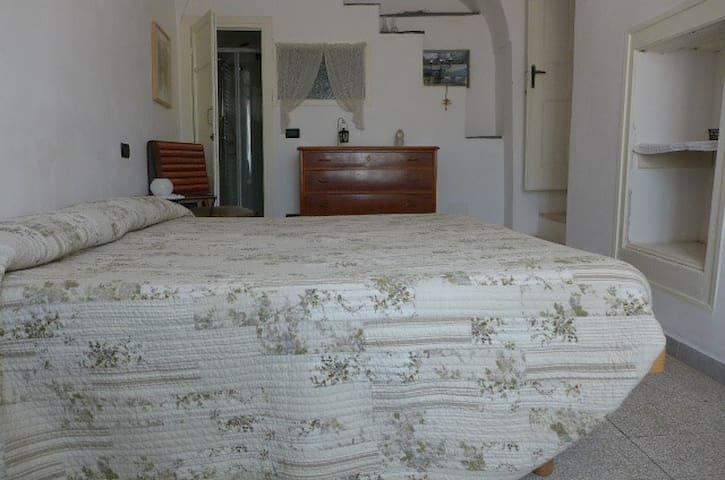 B&B MareMontaltoMontagna Stanza Verde - Montalto Ligure - Lejlighed