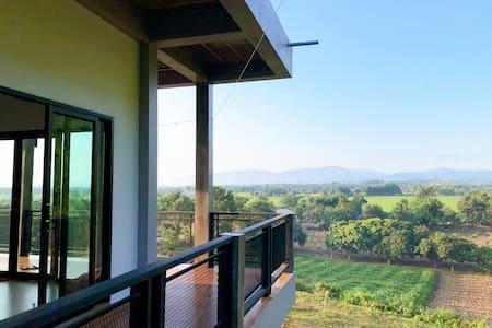 Entire private villa resident, mountain scenery