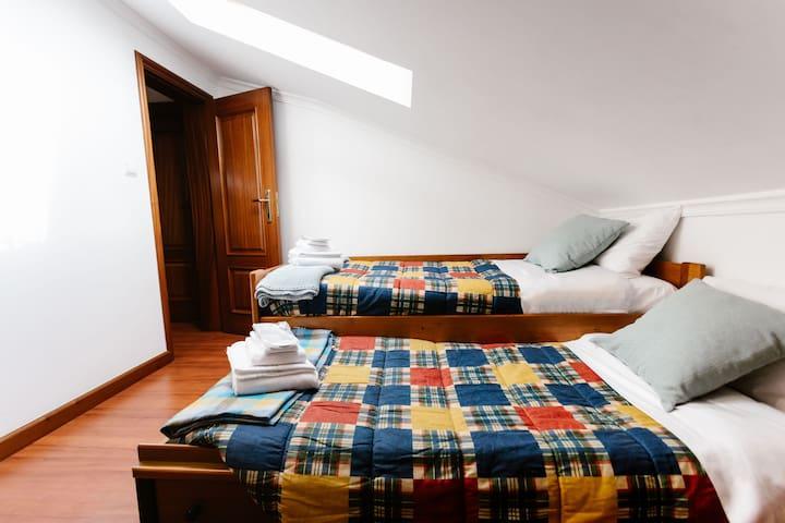 Attick [twin bed room]