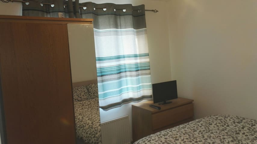 Double room in Newton Leys - Bletchley - Hus
