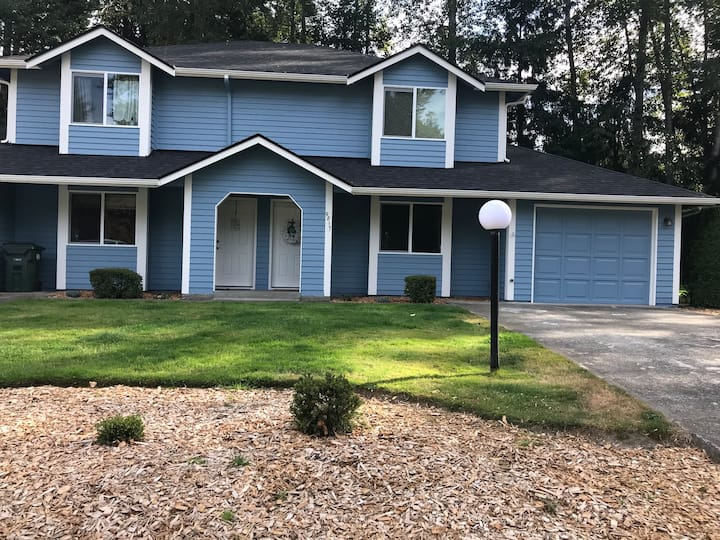 Townhome In The Heart Of South Hill Puyallup