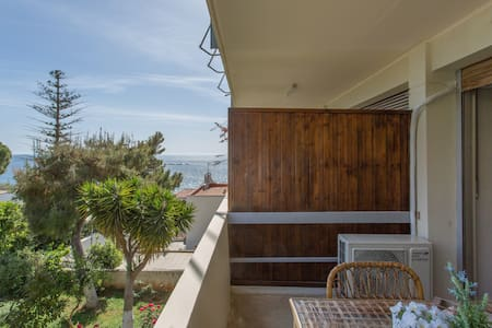 Studio 100m away from the beach - Saronida