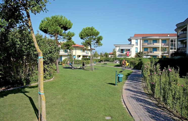 apartment for 5+2 persons in Caorle R48390