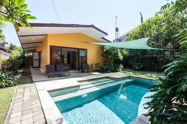 Jolie villa de deux chambres avec piscine à Sanur