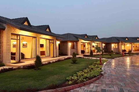 NATURE'S NEST - Cozy Cottage -Govardhan-Vrindavan