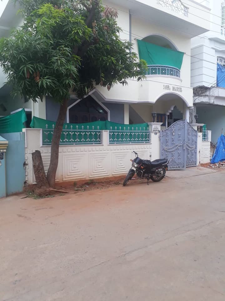 ZOHA INDEPENDENT FURNISHED GUEST HOUSE AT HYD BL#2