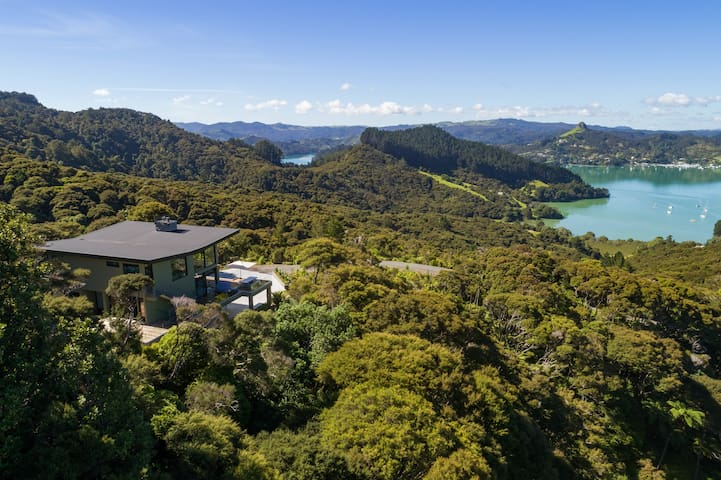 Kauri Hill Luxury Lodge
