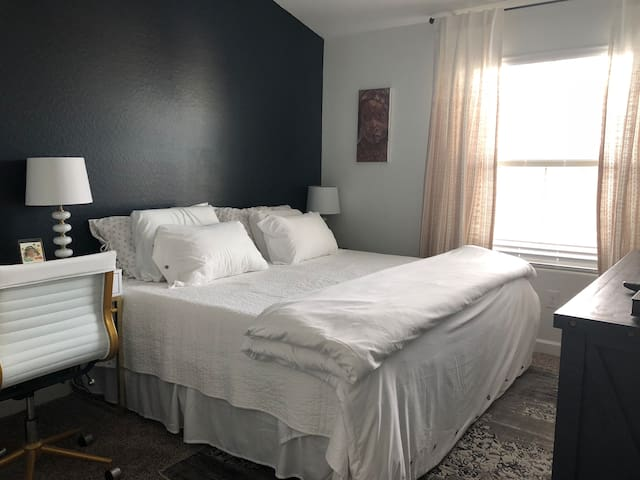Private Room and Bath - Walk to Downtown Gilbert