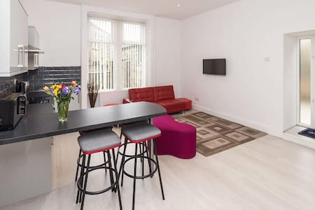 Modern 2 Bed Apartment in the Heart of Saltaire